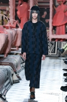 310_henrik-vibskov-menswear-fw20-paris-0636-1579364945.jpg